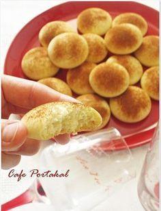 Karşı koyamadığım tek şey Kurabiye yapmak ve yemek :) Bir de sizlerden kurabiyeler için gelen güzel yorumlar var ya işte o zaman daha da...