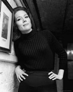I will stop posting pictures of Diana Rigg when I stop finding pretty pictures of her.