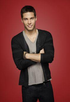 [PHOTOS] Glee Season 4 Premiere - TVLine Dean Geyer as Brody