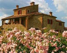 I'd love to vacation in this Italian house.