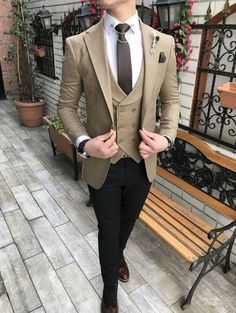 Terziademaltun - İtalyan stil slim fit ceket yelek pantolon bej kombin takım elbise T3074 (1) India Fashion Men, Mens Fashion Suits, Womens Fashion, Wedding Dresses Men Indian, Wedding Suits, Men Suit Shoes, Mafia Outfit, Blazer Outfits Men, Male Outfits