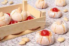 I pasticcini di mandorle sono dei dolcetti tipici siciliani realizzati con pochissimi ingredienti e davvero facili e veloci da realizzare. Sono troppo buoni