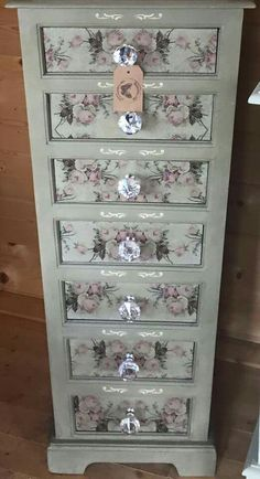 49 Trendy ideas for refurbished furniture before and after diy knobs Repurposed Furniture DIY Furniture ideas Knobs Refurbished Trendy Redo Furniture, Before And After Diy, Refurbished Furniture, Painted Furniture, Furniture Makeover Diy, Diy Home Decor, Recycled Furniture, Shabby Chic Furniture, Decoupage Furniture