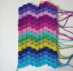bargello crochet with video tutorial - Jellina Creations Crochet Ripple, Crochet Diy, Crochet Motifs, Crochet Stitches Patterns, Crochet Designs, Crochet Crafts, Yarn Crafts, Crochet Hooks, Crochet Projects