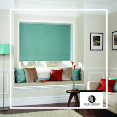 I'm trying to find some good blinds for my living room. I love the way roller blinds look! The solid covering makes for a good privacy protector, as well. My Living Room, Living Spaces, Best Blinds, Classic Window, Blinds Design, House Blinds, Interior Design Companies, Roman Blinds, Roller Blinds