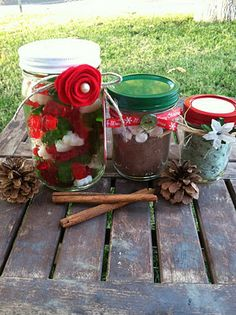 3 Ideas (w/ instructions) on how to gift wrap mason jars. Includes how to spray paint the lids and make lavendar scented epsom salts. Tutorial for the felt flower is linked.