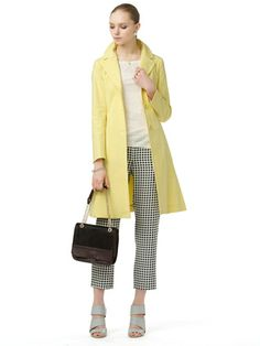MAX & Co -. Tailored belt with color semi-flare coat