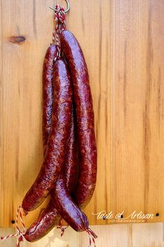 Heavily smoked, many layers of flavor, pleasant spiciness. The best! Homemade Summer Sausage, Homemade Sausage Recipes, Smoked Meat Recipes, Venison Recipes, Rib Recipes, Oven Recipes, Easy Recipes, Andouille Sausage Recipes, Sausage Seasoning