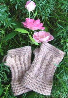 Heather Rose Wristers: Loom Knitting Pattern