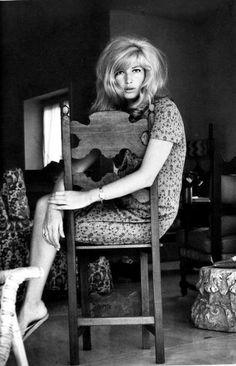 Carla Massara – pour que tu m'aimes  » Blog Archive   » Monica Vitti, una straordinaria bellezza moderna