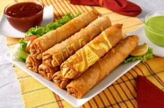 Here you can find a lot of easy and yummy recipes! Easy Spring Rolls, Homemade Spring Rolls, Fried Spring Rolls, Chicken Spring Rolls, Chicken Spring Roll Recipe Indian, Rolled Chicken Recipes, Indian Chicken Recipes, Indian Food Recipes, My Recipes