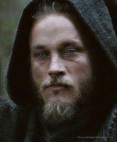 Roi Ragnar, Ragnar Lothbrook, King Ragnar, Vikings Season 4, Vikings 2, Vikings Tv Show, Ragnar Lothbrok Vikings, Vikings Travis Fimmel, Viking Life