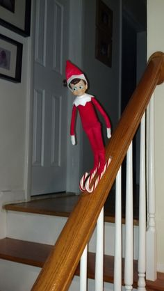 Elf on the Shelf - Downhill Skiing