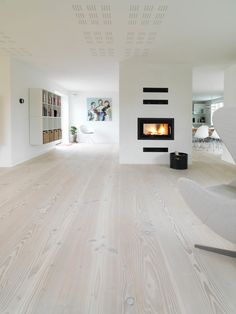 oak flooring Im hoping my white oak wood floors can be made to look something like this.more cool and driftwood-like than warm, honey tones. Living Room Wood Floor, Living Room White, Living Room Flooring, White Rooms, Living Rooms, White Walls, Apartment Living, White Wooden Floor, White Oak Wood