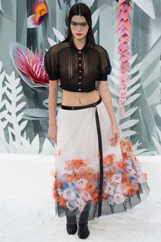 Kendall Jenner struts the Chanel catwalk at Paris Haute Couture Fashion Week | Daily Mail Online