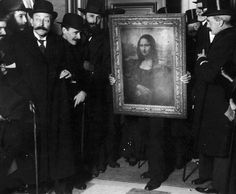 Why is the Mona Lisa the most famous painting in the world? 100 years ago the small portrait was stolen from the Louvre, catapulting it to international stardom. Unusual News, Bizarre News, Unexplained Mysteries, Best Mysteries, Most Famous Paintings, Famous Art, Monument Men, Mona Lisa, Retro Photography