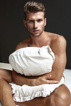 HOMOTOGRAPHY Jaimy Angelo by Martijn Smouter. Fall 2014, www.imageamplified.com, Image Amplified