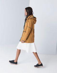 Ahorra $400 en Parka con capucha para Dama, en Bershka. Vigencia al 10-11-2014. #PromoMap #promocion #promo #moda