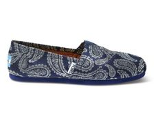winning color combo: blue and silver // Woven Women's Paisley Classics