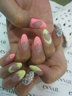 25 Fun Flirty Spring Nail Trends to Try, with DIY links. Really Cute Nails, Love Nails, How To Do Nails, Pretty Nails, Fun Nails, Valentine Nail Art, Spring Nail Trends, Nails Only, Nail Time