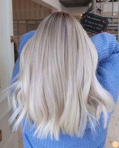To Blonde Virgin Hair Hair Colors - Cabello Rubio Ice Blonde Hair, Blonde Hair Shades, Blonde Hair Looks, Brown Blonde Hair, Platinum Blonde Hair, Black Hair, Blonde Short Hair, Cool Toned Blonde Hair, Long Hair