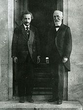 Speed of light. Hendrik Lorentz (right) with Albert Einstein.