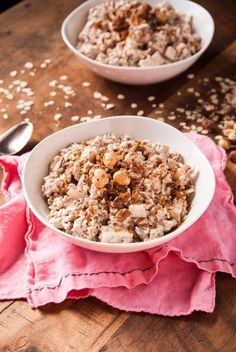Vegan Swiss Oatmeal with Hazelnuts and Pears //thefrostedvegan.com