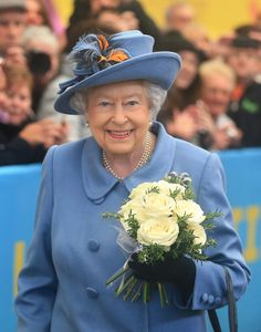 Queen Elizabeth II Photos - Queen Elizabeth II arrives at Hull Railway Station, during a visit to the city to mark its year as the UK City of Culture on November 16, 2017, in Kingston Upon Hull, England. - The Queen Visits Kingston Upon Hull