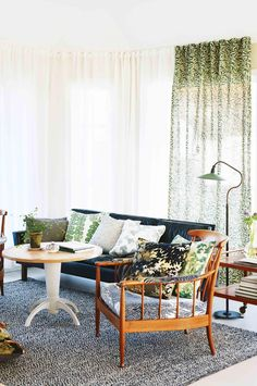 How to bring pattern into your home: bold design ideas. Photography by Carl Dahlstedt. From the September issue of Inside Out magazine. Available from newsagents, Zinio, https://au.zinio.com/magazine/Inside-Out-/pr-500646627/cat-cat1680012#/ Google Play, https://play.google.com/store/newsstand/details/Inside_Out?id=CAowu8qZAQ, Apple's Newsstand, https://itunes.apple.com/au/app/inside-out/id604734331?mt=8&ign-mpt=uo%3D4, and Nook.