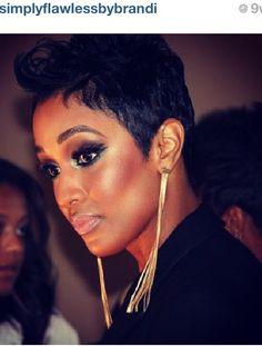 Brandi Holmes makeup artist Houston Texas.......wow simplyflawlessbybrandi.com