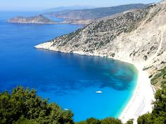 RANDOM FACT # 95      Did you know that Greece has 379 beaches which fulfill the criteria of a Blue flag? #Greece
