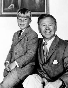 Mickey Rooney and his son Teddy in 1959