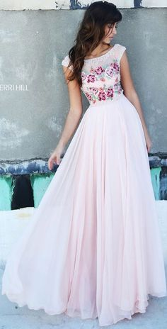 love the floral part of this prom dress from sherri hill