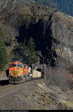 RailPictures.Net Photo: BNSF 4840 BNSF Railway GE C44-9W (Dash 9-44CW) at Cooks, Washington by Indecline