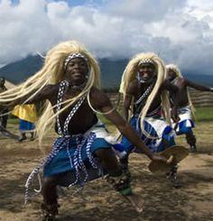 Rwanda Cultural Dance Fascinating Rwanda, Africa http://www.travelandtransitions.com/destinations/destination-advice/africa/