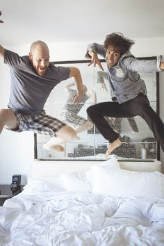 SUCH a fun photo idea for the groom and his best man!