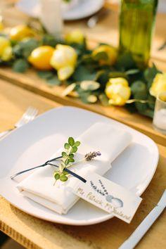 simple place setting | Rachel Moore #wedding