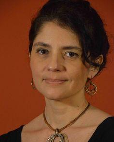 Neurocientista brasileira de grande reconhecimento internacional, Suzana Herculano-Houzel chefia um grupo de pesquisa composto por 15 cientistas, no chamado Laboratório de Neuroanatomia Comparada da Universidade Federal do Rio de Janeiro (UFRJ). Nos últimos 11 anos, assinou 45 artigos científicos, todos muito bem prestigiados. O mais recente, publicado no mês passado na Science, uma das mais importantes revistas científicas do mundo, promete mudar os livros de ciência ao sugerir uma nova…