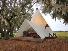 Backyard glamping in a yurt, tent or teepee can be awesome for guests or it can make money on Air BnB. Use it to go glamping yourself in your own backyard! Camping Glamping, Luxury Camping, Camping Cabins, Camping Trailers, Camping Gear, Yurt Tent, Wales Camping, Canvas Teepee Tent, Tent Camping