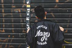 Pensa num cara xavoso ❤ #canon #canont5 #boy #urbanposes #urban #street #lightroom #polar #style #guy #photography #photo #saopaulo #brazil #hiphop #alternative #travelphotography http://tipsrazzi.com/ipost/1525026095828496400/?code=BUp-yd7DvAQ