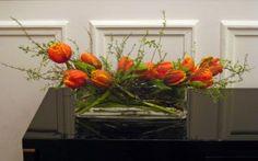 horizontal tulip arrangement