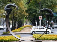Esculturas en Paseo de la Reforma by Mr.PMCP, via Flickr