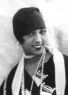 Josephine Baker in Pearls and a Cloche - Authentic 1920s Style Inspiration - Photos