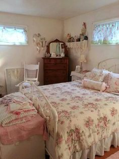 Shabby Chic Home Decor Cute Bedroom Ideas, Pretty Room, Shabby Chic Bedrooms, Vintage Room, Pink Room, Aesthetic Bedroom, Dream Rooms, My New Room, Room Inspiration