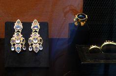 Paris Podium jewelery earings