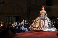 L'alta moda di Dolce & Gabbana ha abbracciato Palermo e la città ha abbracciato i due stilisti. È stata una dichiarazione d'amore alla Sicilia e alle sue bellezze la collezione creata da Domenico Dolce e Stefano Gabbana.  [Read More ...]