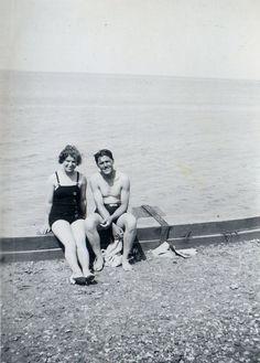 Vintage swimsuit photo from TepusVolat on Flickr.