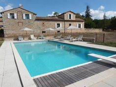 Domaine Notre Dame La Verdi�re Located in La Verdi?re in the Provence-Alpes-C?te d'Azur Region, this semi-detached holiday home is 38 km from Aix-en-Provence. The air-conditioned unit is 49 km from Apt.