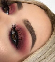 If you need inspiration for beautiful makeup for fall and winter? From natural and nude looks to bold lip colors and smoky eyes. # fall makeup 55 Stunning Makeup Ideas for Fall and Winter Burgundy Makeup Look, Purple Makeup Looks, Cute Makeup Looks, Makeup Looks For Brown Eyes, Fall Makeup Looks, Green Makeup, Wedding Makeup Looks, Pink Makeup, Natural Makeup Looks