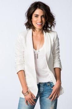 Blazer, tee, light denim is a great casual yet pulled together look.  Accent with simple jewelry pieces.